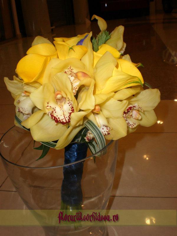 Buchet De Mireasa Din Orhidee Phalaenopsis Galbene Si Cale Galbene