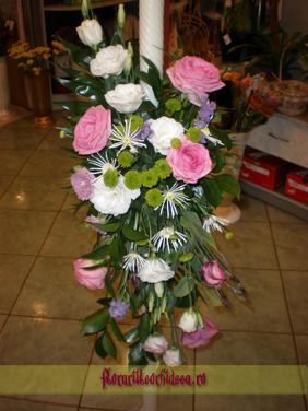 Lumanari de nunta cu eustoma alb si roz, trandafiri roz