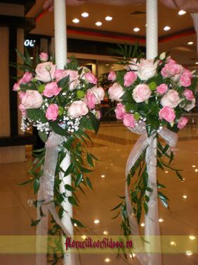 Lumanari de nunta din trandafiri roz si miniroze roz