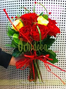 Trandafiri rosii si galbeni