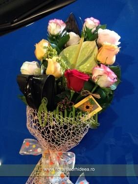 Buchet anthurium si trandafiri diferite culori