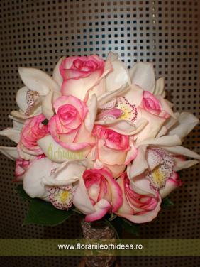 Buchet de mireasa trandafiri si orhidee