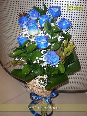 Buchet din trandafiri albastri