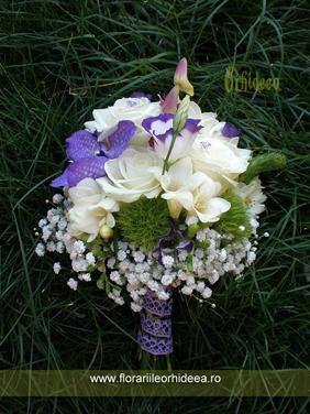 Buchet mireasa alb-lila - trandafiri, frezie, orhidee