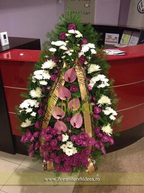 Coroana funerara - crizanteme si anthurium